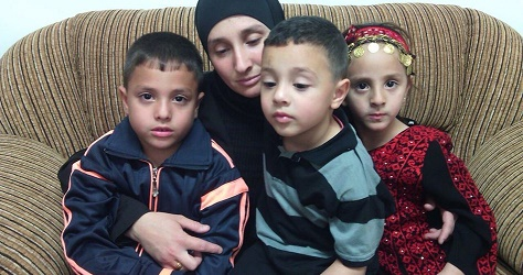 Widowed mother of 3 arrested by IOF at gunpoint in presence of kids