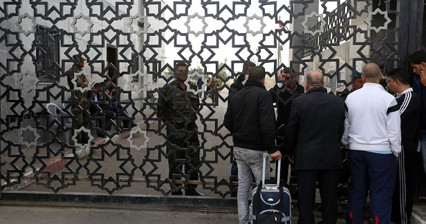 Passengers return to Gaza after Rafah crossing opened for few hours