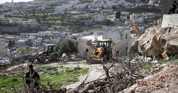 IOF notifies Palestinian facilities with stop-work orders