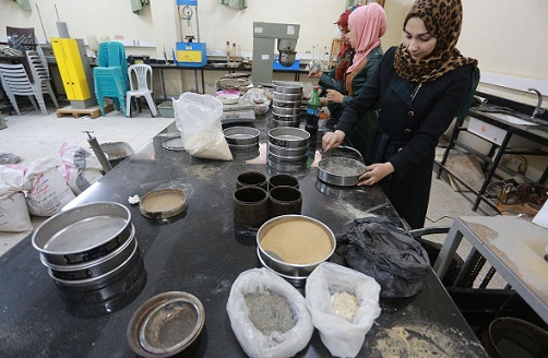 Female Gaza students invent new plaster cement