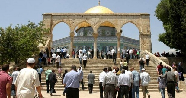 Hamas urges Palestinians to defend Aqsa Mosque