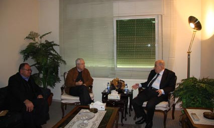Hawatmeh meets with Salim Zaanoun; the chairman of the Palestinian National Council