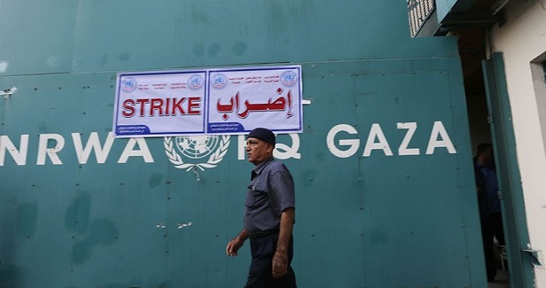 Palestinians close UNRWA headquarters in Gaza in protest at the siege