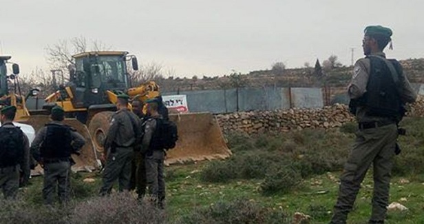 IOA bulldozes Palestinian-owned land in Immatain town