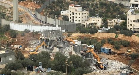 Israeli bulldozers demolish Palestinian house in O.J'lem
