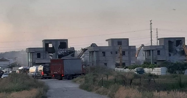 Israel razes four Palestinian homes in Tira city