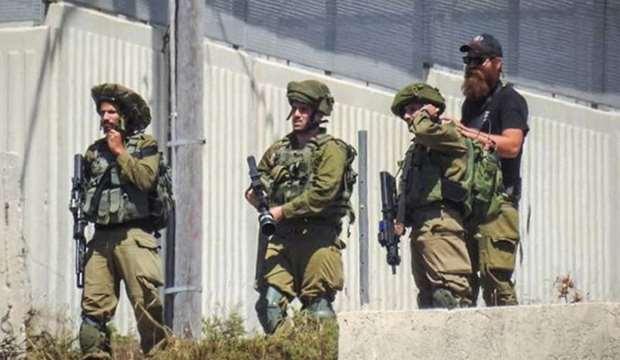 Palestinian school student injured in IOF shooting