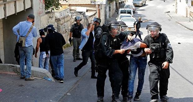 Clashes flare up as Israeli police raid Shu'fat refugee camp