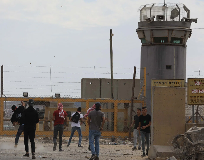 Israel moves detained Palestinian minors in violation of law