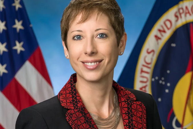 NASA scientist wears Palestinian embroidery in official photo
