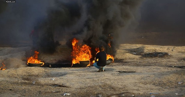 IOF heavily opens fire at Gaza protesters, kills Palestinian