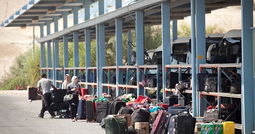 Israel bans 13 Palestinians from traveling at Allenby crossing