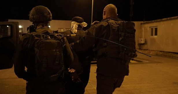 IOF kidnaps ex-detainee at W. Bank checkpoint