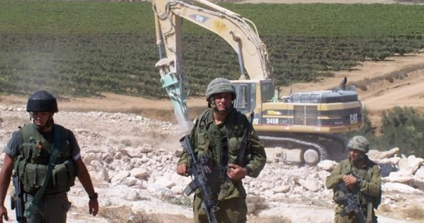 Israeli army razes main road to Nabi Samuil village
