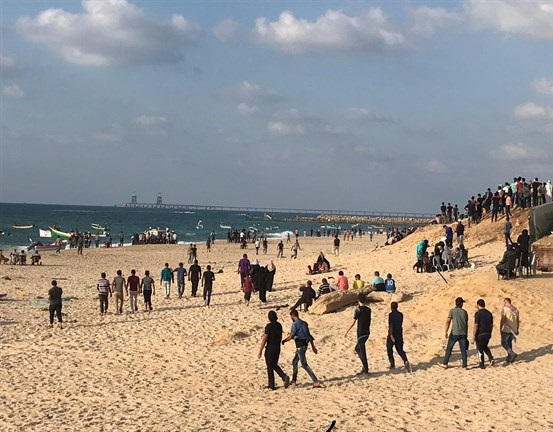 MOH: 32 Palestinians injured during Gaza naval march
