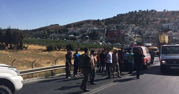 5-year-old kid struck by Israeli army jeep in al-Khalil