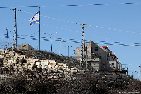 Israel to Palestine accept new settlements in Hebron or lose more land