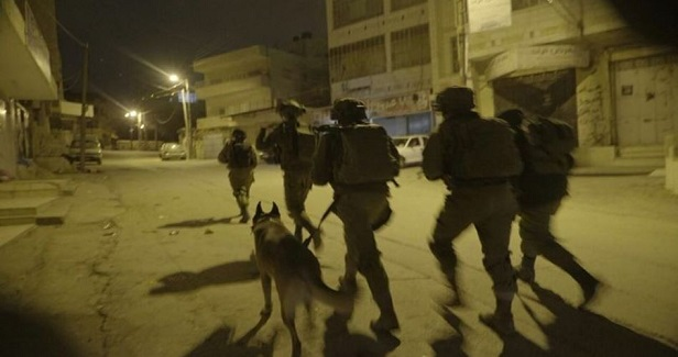 Four Palestinians kidnaped by IOF in W. Bank