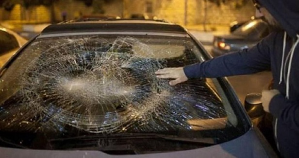 Settlers threw stones at Palestinian cars in southern Nablus