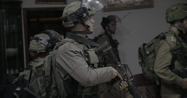 Six Palestinians kidnapped by IOF in W. Bank