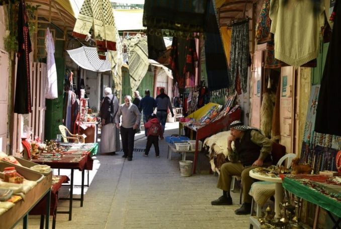 Jewish Settlers Take over Palestinian Shop in Hebron