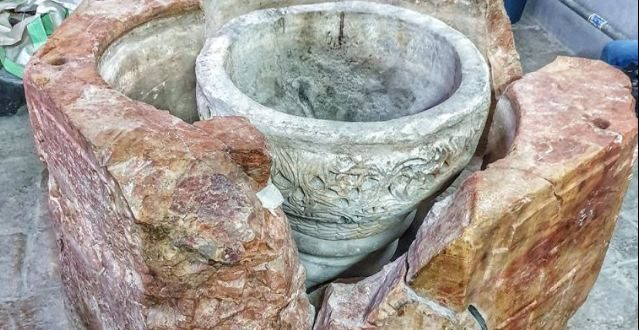 Palestinians announces the discovery of an important archaeological piece during the restoration works in Nativity Church