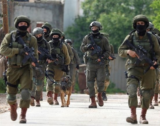 Minor among 21 Palestinians detained by Israeli forces