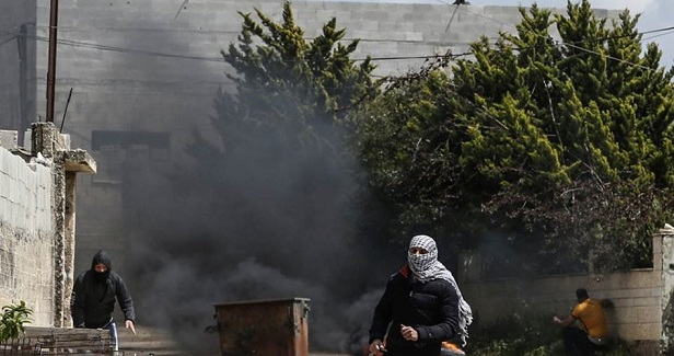 Palestinians injured in protest against land seizure