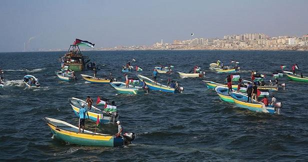 Gorup 194 :: Israeli navy intercepts anti-siege boat parade