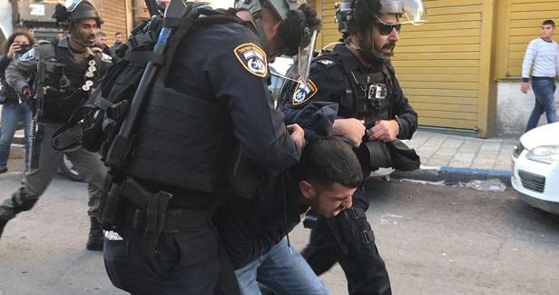 Israeli forces arrest Palestinian man in Jerusalem