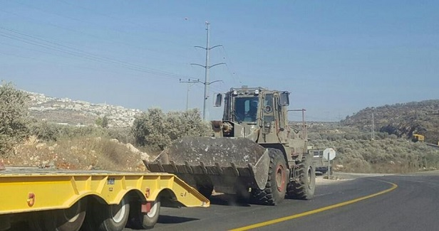 IOF blocks agricultural road near Salfit