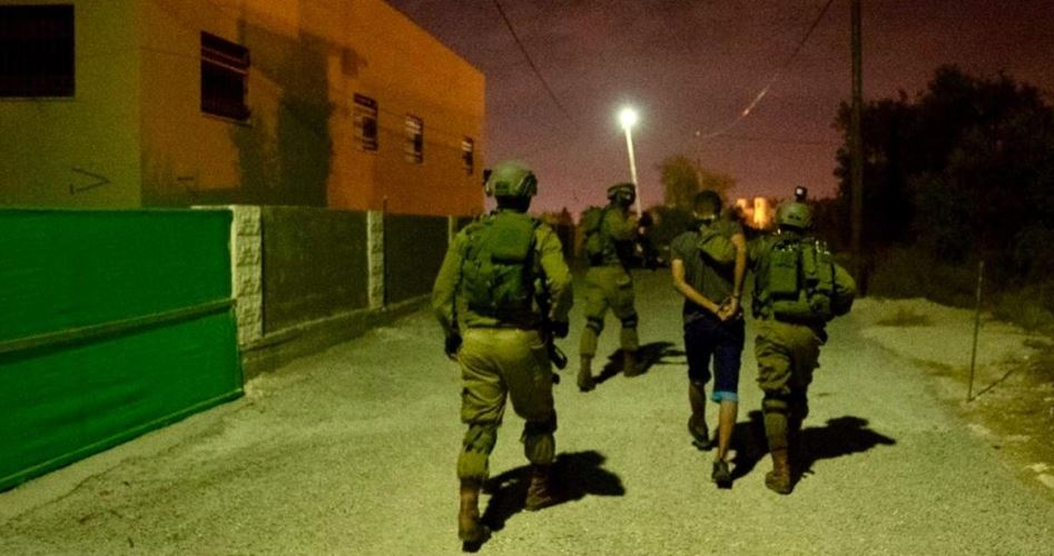 Several Palestinians kidnaped overnight by IOF in W. Bank and J'lem