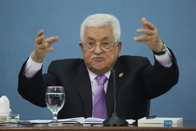 Abbas sacks advisers, orders ex-PM to repay salary