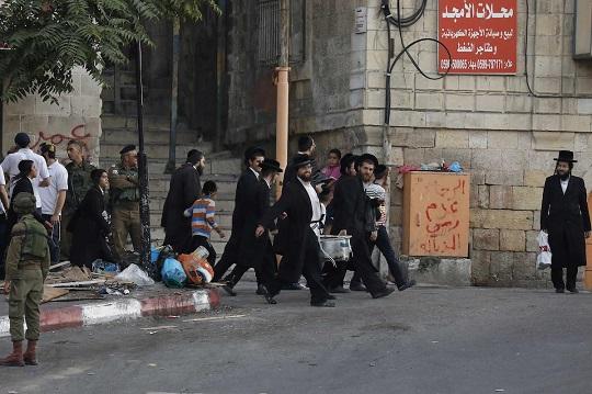 450,000 Israel settlers in West Bank