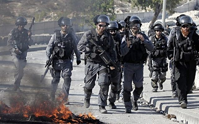 Israeli forces violently attack peaceful pro-Aqsa marchers in Issawiya