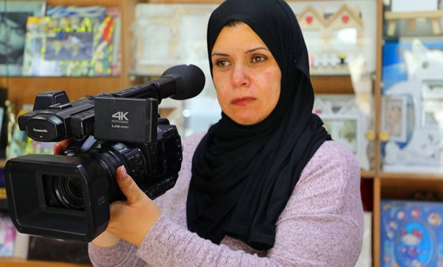 Young Photographer Turns Her Passion into a Career: UNRWA Vocational Training In Action