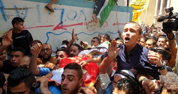 Thousands bid farewell to Gaza medic killed by Israeli army