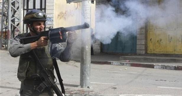 Dozens choke on teargas in IOF raid on Nablus village