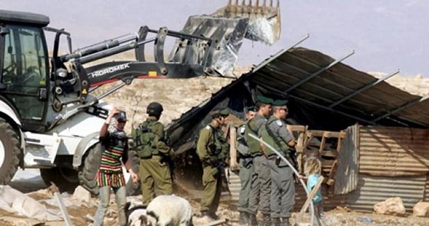 Palestinian injured in IOF demolition campaign west of Bethlehem