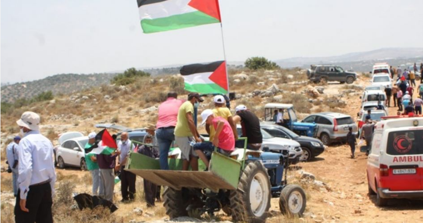 IOF confiscates two tractors from Palestinian farmers