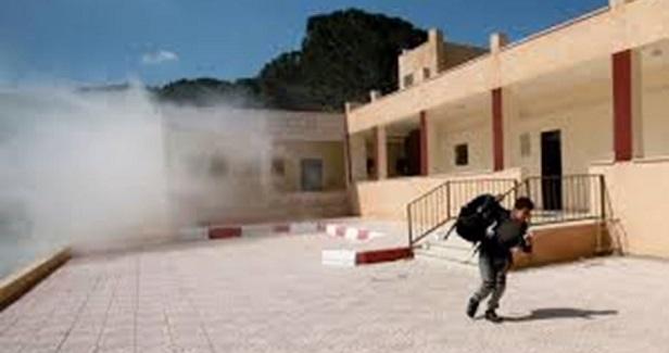 Israeli soldiers teargas students, teachers in al-Khalil