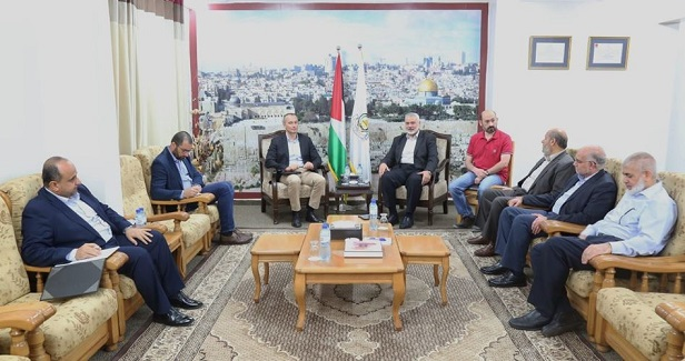 Haneyya meets Mladenov in Gaza