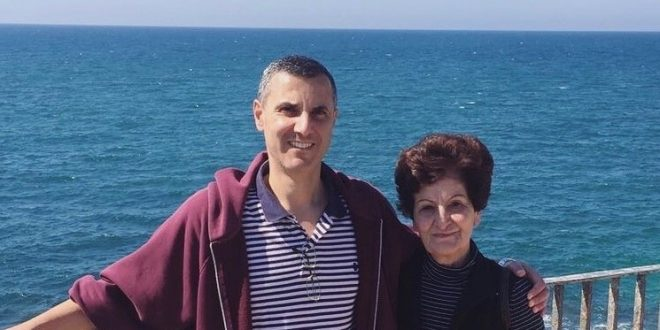 BDS' Barghouthi banned from travel as his mother passed away in Amman