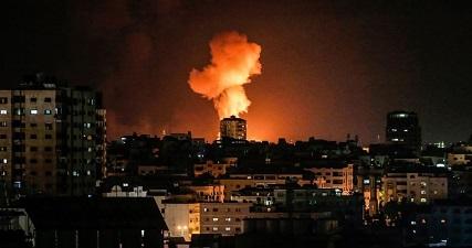 Night airstrike targets resistance post in northern Gaza