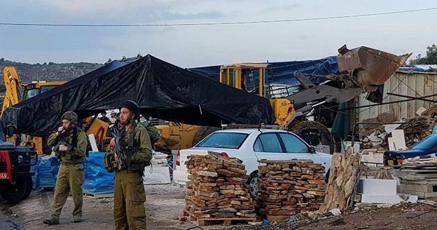 Israeli authorities notify demolition of Palestinian houses in Isawiya