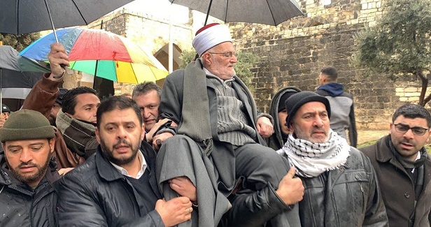 Israeli police violently quell protest in solidarity with Sheikh Sabri