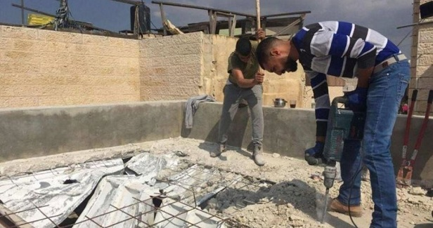 Two Jerusalemite families homeless after being forced to raze house