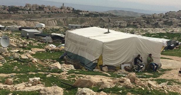 Israeli bulldozers demolish Palestinian houses in Jerusalem