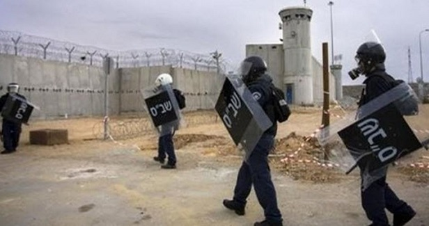 25 prisoners injured in Negev events