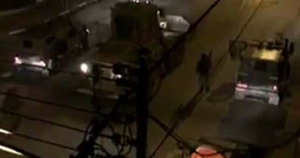 IOF storms Nablus to secure settlers' entry, clashes with local youths